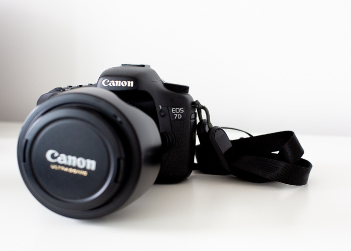 Canon EOS 7D - with optional Canon 24-105mm lens - 1