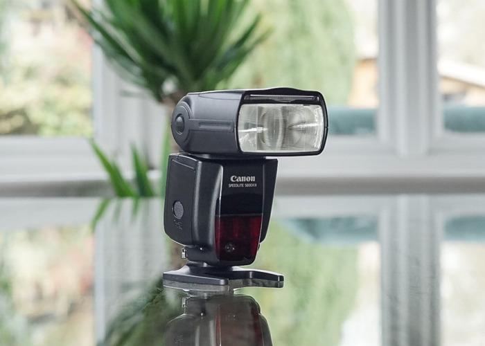 Canon Flashgun (580 EX II) - 1