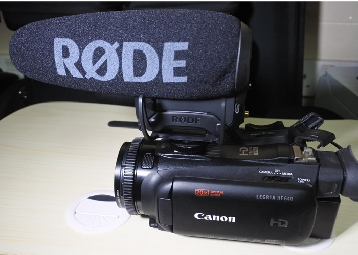 Canon Legria HF G40 & Rode Video Mic Pro+ package - 1