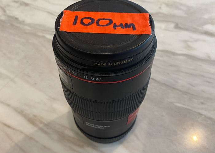 Canon Macro 100mm EF lens  - 1