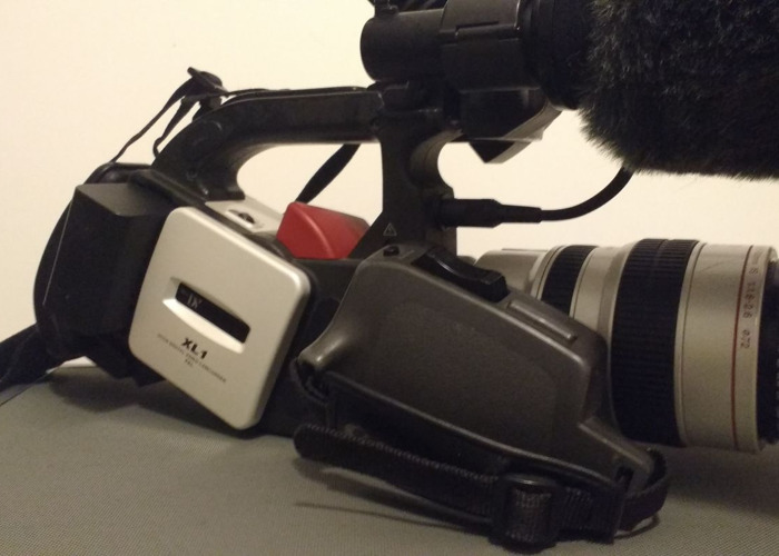 Rent Canon xl1 camera kit MINI DV (VHS / HI8 LOOK) in London