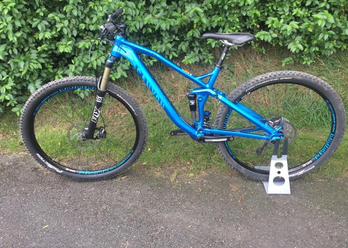 Rent Canyon spectral mountain bike   Medium size in Bodmin