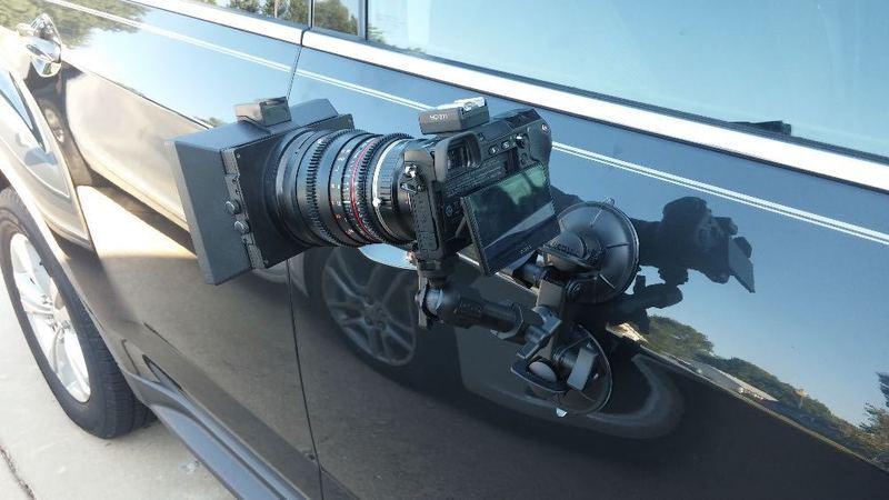 Car Mount Delkin Fat Gecko Three-Arm Suction Mount - 2