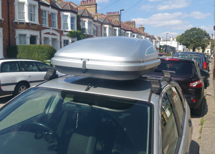 Car top box and roof bars - 2