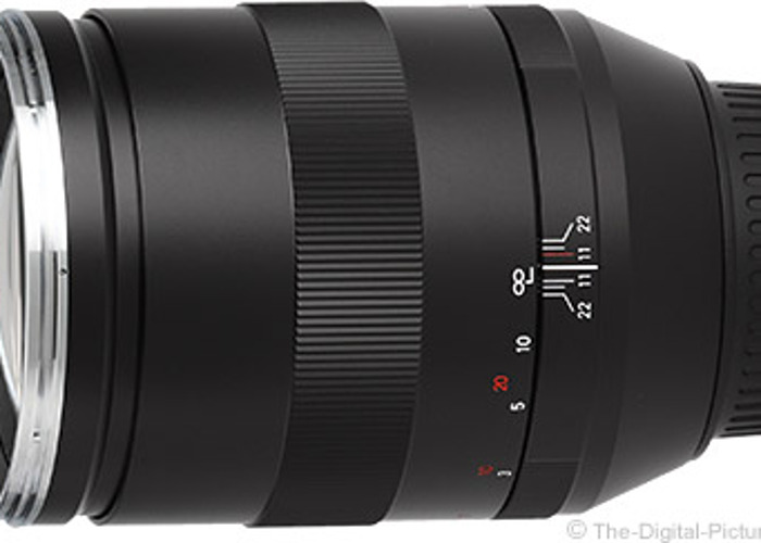 Carl Zeiss 135mm f2 Lens Canon ZE Fit mount - 1