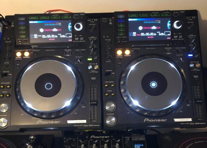 2 x CDJ 2000 Nexus & DJM 800 Mixer - Industry Standard - 2
