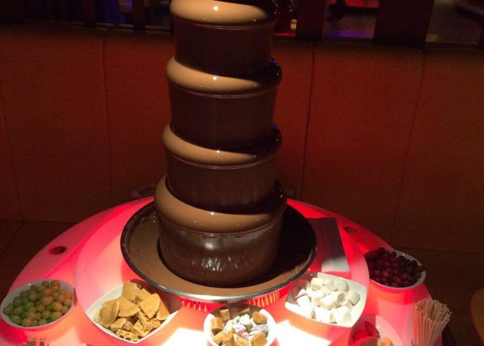 Chocolate fountain - 1