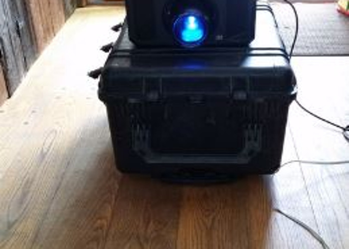 Christie DHD800 HD DLP 8k Lumens Projector - 1