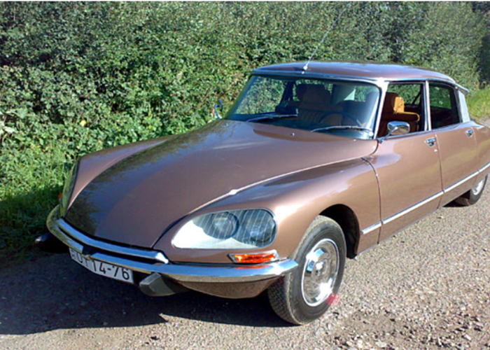 Citroen DS21 EFI Pallas Saloon (1972) - 1