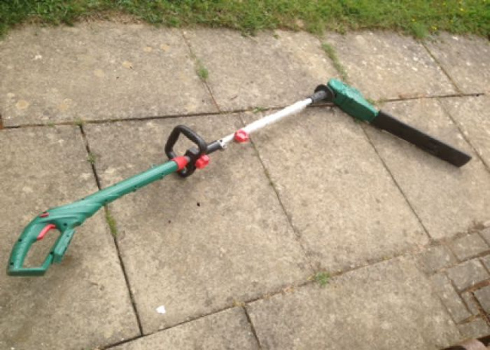 Cordless Long Reach Hedge Trimmer - 1