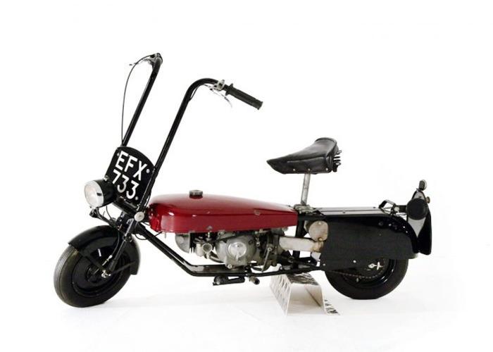 Corgi Motorcycle (1950) - 1