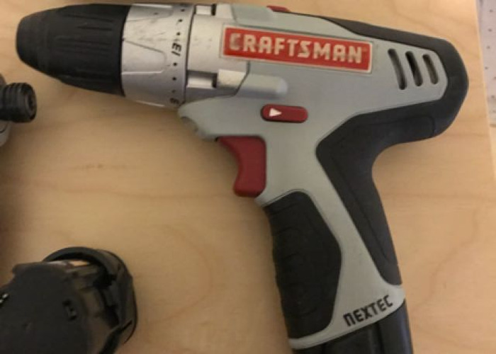 Craftman drill set - 2