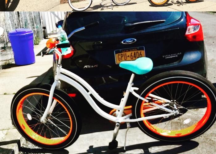 Cruz Bicycle  - 2