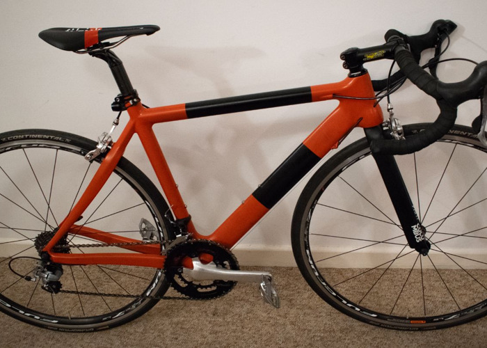 custom carbon-road-bike-75548374.jpg