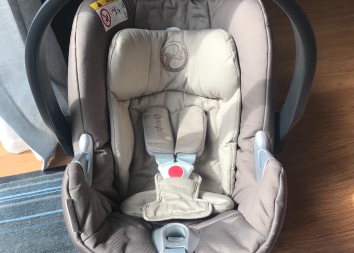 Cybex Aton Q car seat & isofix base  - 1