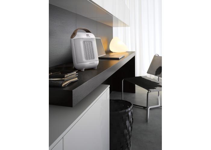 De'Longhi Capsule HFX30C18.IW Ceramic Fan Heater - White - 1