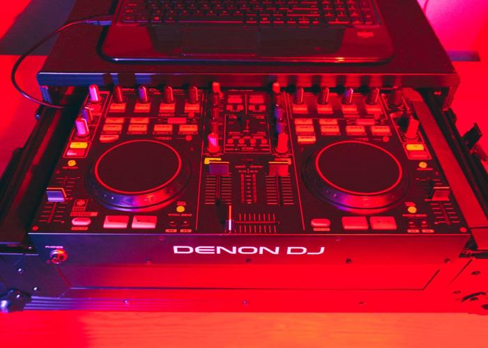 Denon DJ MC4000 - 1