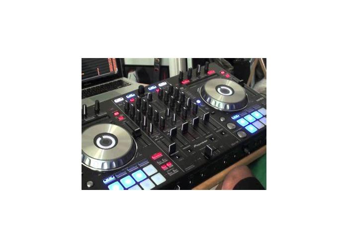 DJ decks - 1