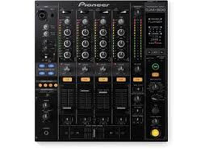 DJ Equipment // DJM 800 - 1