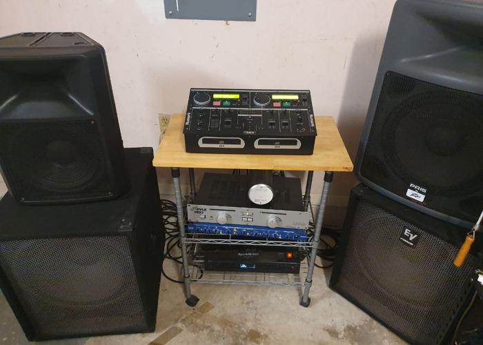 DJ speaker system. Karaoke/subwoofer/cd mixer/tripods - 1