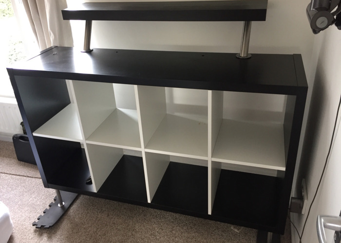 dj stand-made-from-ikea-parts-48141159.JPG