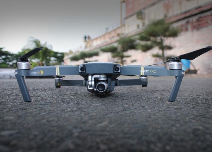 DJI Mavic Drone con batería extra y estuches - 1