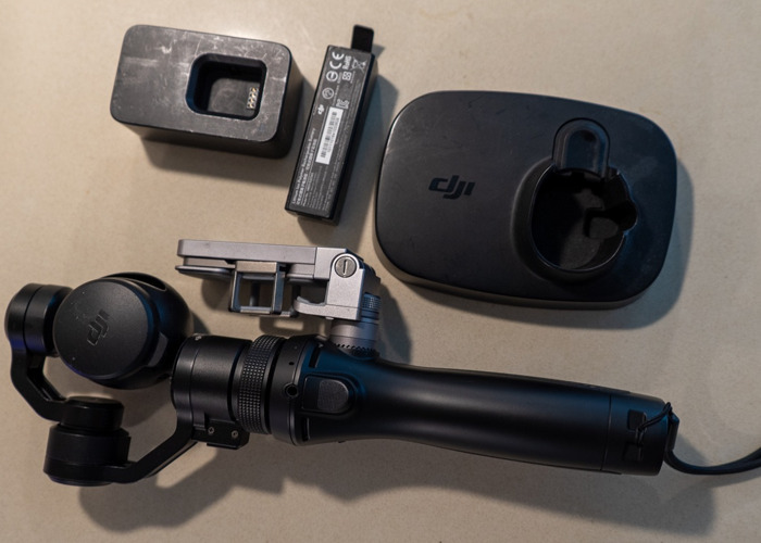 DJI Osmo + Stand + Charger + 2 extra batteries - 2
