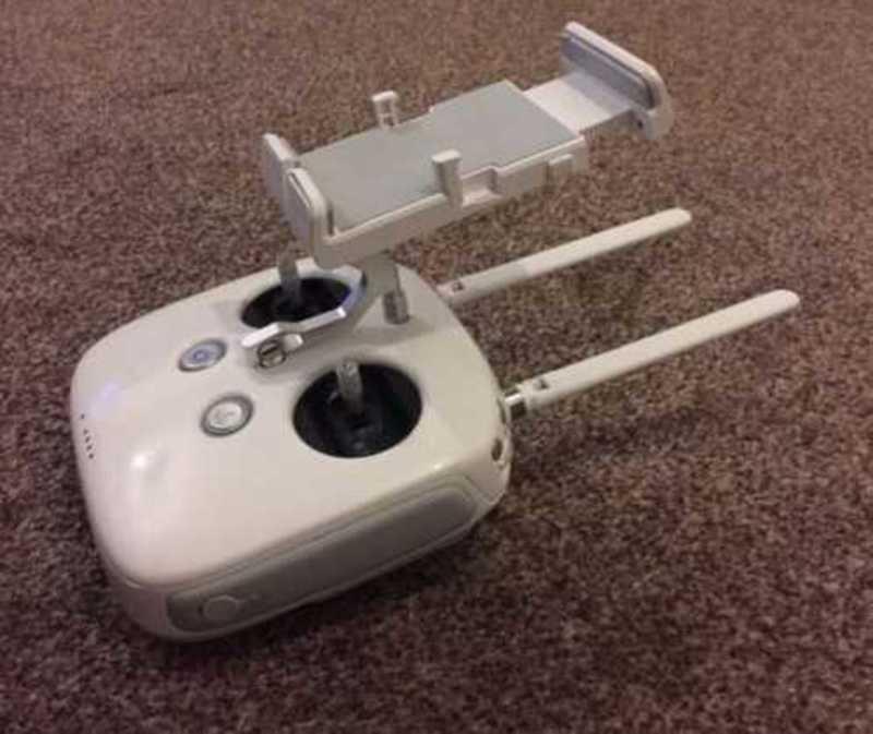 DJI Phantom 4 - 4K Drone - Controller, Case - 2