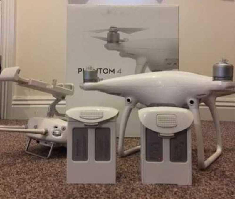 DJI Phantom 4 - 4K Drone - Controller, Case - 1