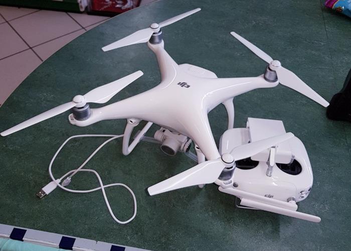 DJI Phantom 4 Drone - 1