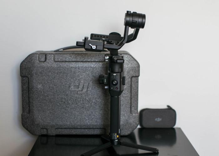 DJI Ronin S - Gimbal Stabilizer - 1