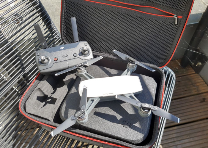 DJI Spark - Ultracompact drone with built-in camera! - 1