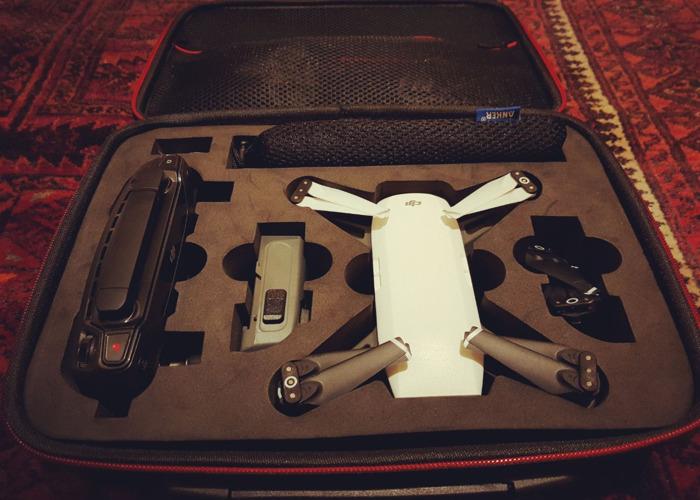 Dji Spark Drone - 2 batteries - RC controller - 1