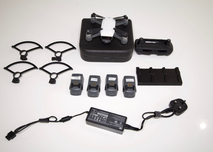 DJI Spark with 4 Batteries + Fly More combo & SD - 1