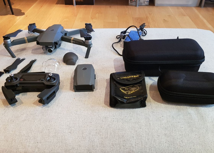 Drone - DJI Mavic Pro with controller and spare battery - 1