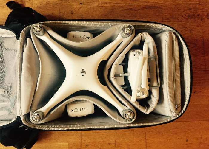 Drone - DJI Phantom 4 with IPad, backpack and extra batteries/propellers - 2
