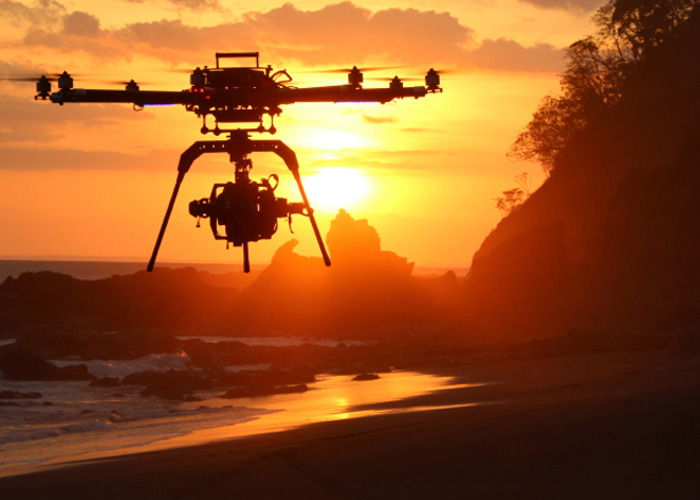 drone operator-with-drone-35714128.jpg
