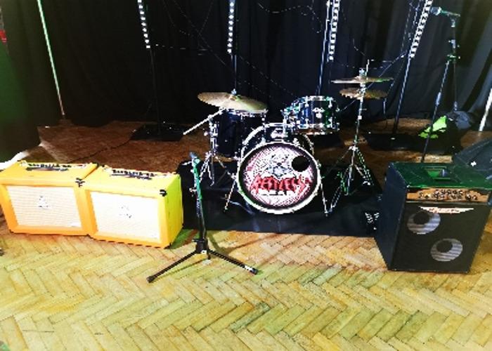 Drum kit + Amp Kit (full back line)  - 1