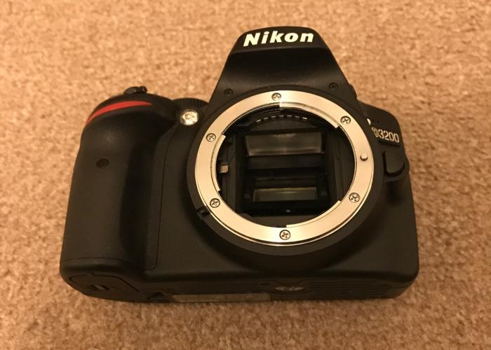 DSLR camera - Nikon D3200 - 1