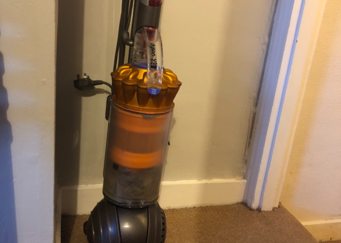 Dyson Hoover DC 40 - 1