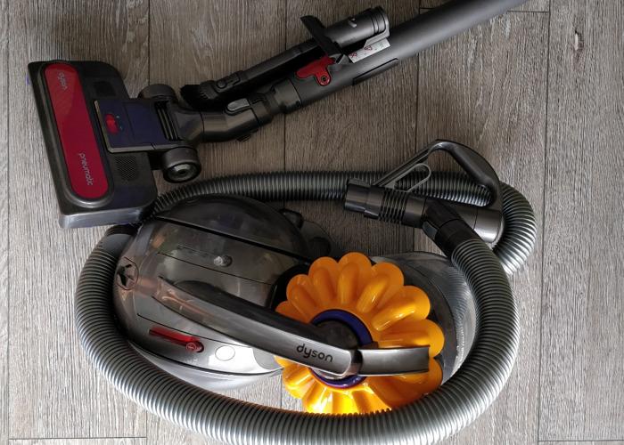 Dyson Vacuum cleaner - 1