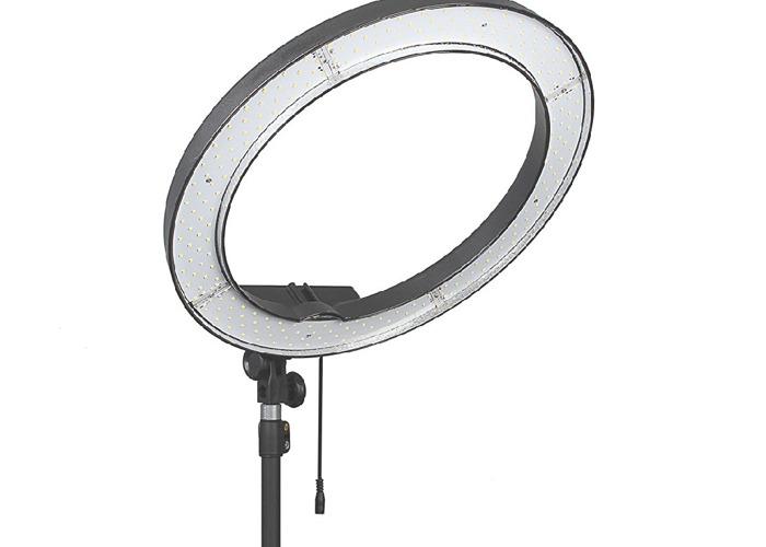 eachshot ring-light-240-led-18-video-and-photography-08672863.jpg