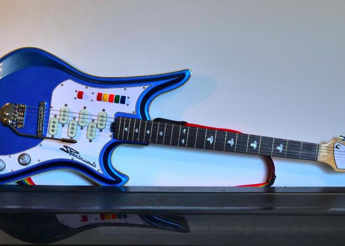 Eastwood Spectrum 5 Stereo Guitar - 1