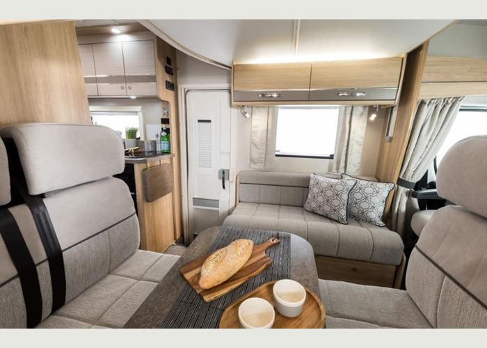 Elddis Autoquest 196. New 2019 luxury 6 berth motorhome. Kno - 2