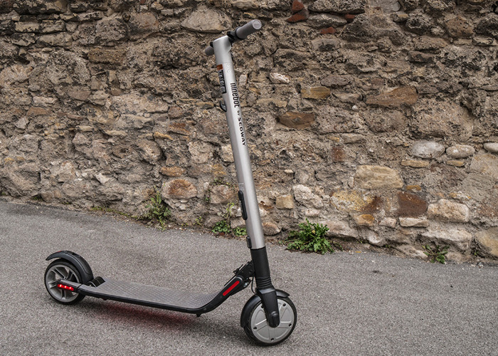Electric Scooter - Safestay Holland Park 4 - 1