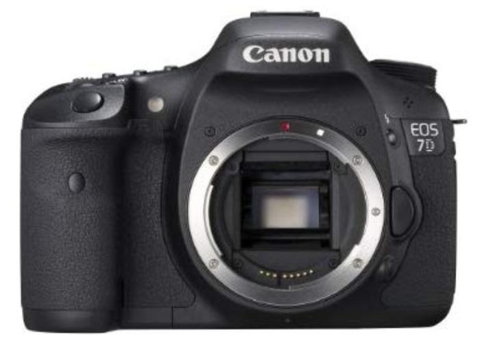 EOS Canon 7D (camera body) - 1