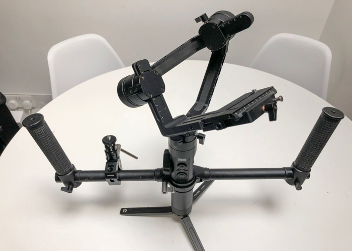 EOS R + Crane 2 Gimbal w/Focus + handle bars, monitor support clamp and extension plate for C200, 1DX - 2