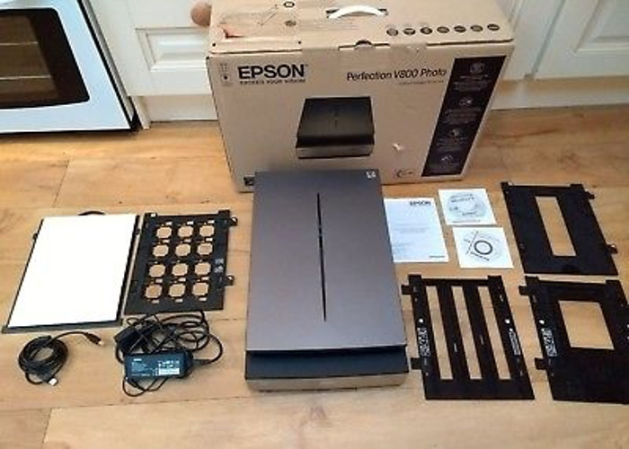 Epson Perfection V800 Photo A4 Flatbed Scanner - 1