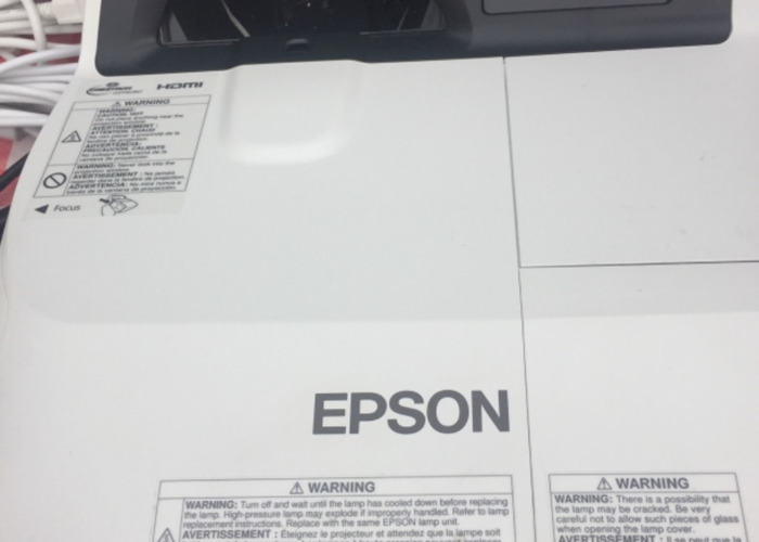 Epson Projector LCD / HDMI model H599A - 1