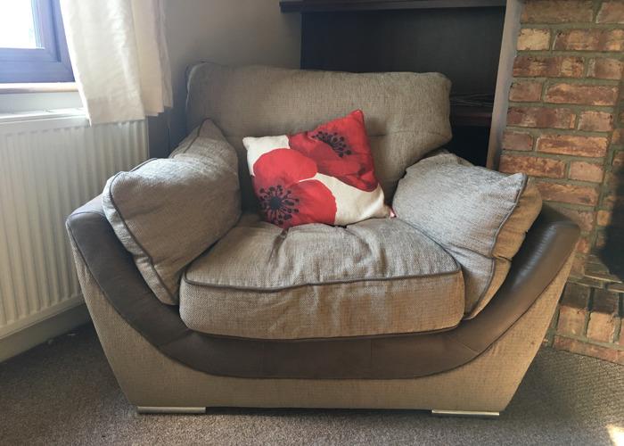 Fabric Comfy Armchair  - 1